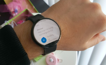 Hangouts 4 podría enviar mensajes con comandos de voz en Android Wear