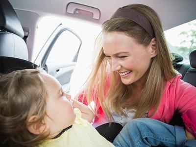 Siete (falsas) creencias que llevan a muchos padres a no elegir una silla a contramarcha para sus hijos
