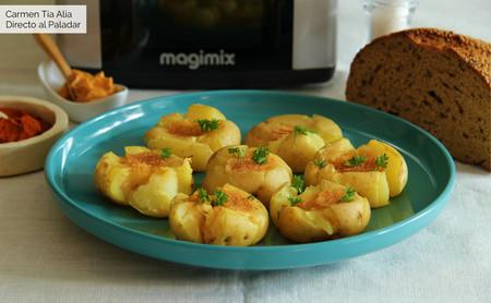 Patatas chafadas con mantequilla de pimentón y ajo