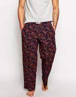 El pantalón de pijama antes de los Pijama pants