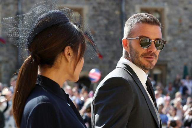El look de los Beckham en la boda real podrá ser tuyo gracias a una subasta benéfica