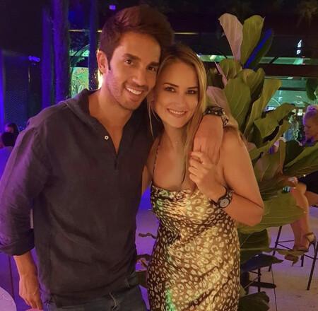 Alba Carrillo y Santi Burgoa