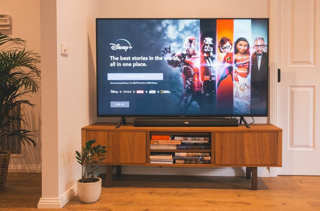 Qué smart TV comprar con presupuestos de 500 euros y 1000 euros: las recomendaciones de los editores especializados de Xataka