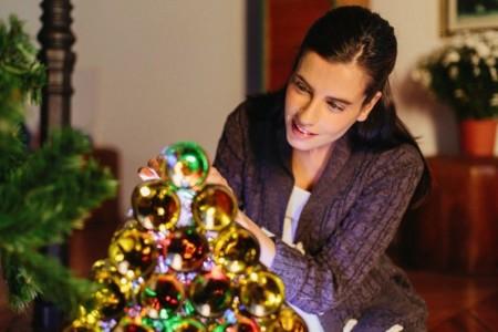 Un árbol DIY, de diseño y ecológico para esta Navidad: la tendencia es reutilizar
