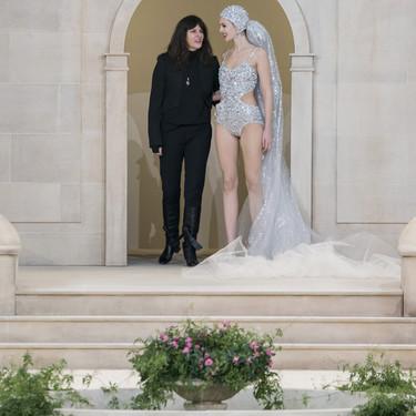 Virginie Viard, la misteriosa mujer que sustituyó a Karl Lagerfeld en el desfile de Chanel y podría ser el comienzo de un cambio de era