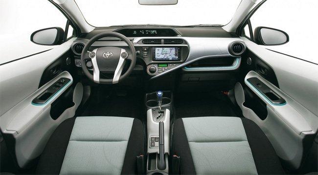 toyota-prius-c-interior-01.jpg