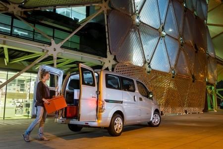 La Nissan e-NV200 está de gira por los centros de comercio andaluces