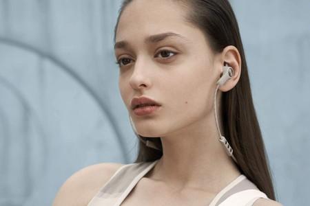 Diseño y sonido cuidados: los auriculares Beoplay E6 de Bang & Olufsen están más baratos que nunca en Amazon, por 130,56 euros