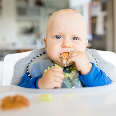 Por qué no hay que añadir ni una pizca de sal ni de azúcar a los alimentos de los bebés