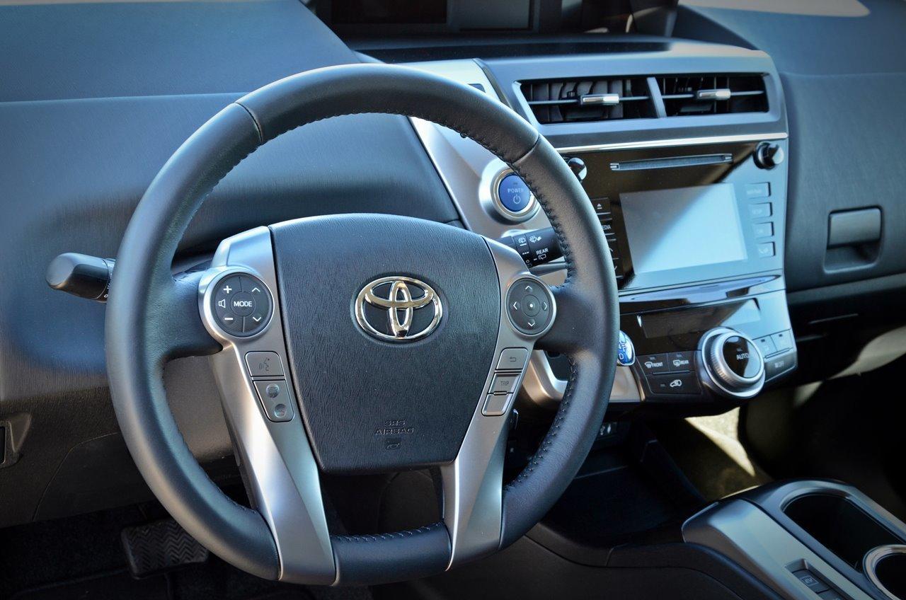 Foto de Toyota Prius+ (7/70)