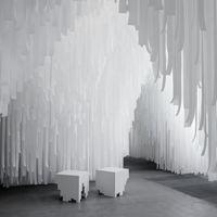 Instalación artística de COS y Snarkitecture en la Semana del Diseño de Milán