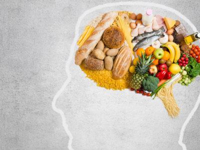 Llevar una dieta saludable fortalece nuestro cerebro