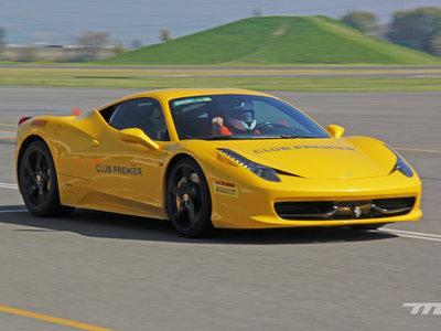 Nos montamos en un Cavallino Rampante, así es la experiencia de conducir un Ferrari por primera vez