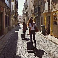 """Fin al 95% de pisos turísticos: Madrid ratifica su plan para acabar con el """"efecto Airbnb"""""""