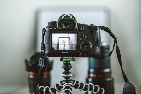 Canon ahora permite usar sus cámaras como webcams para ser la envidia de todos durante las videoconferencias