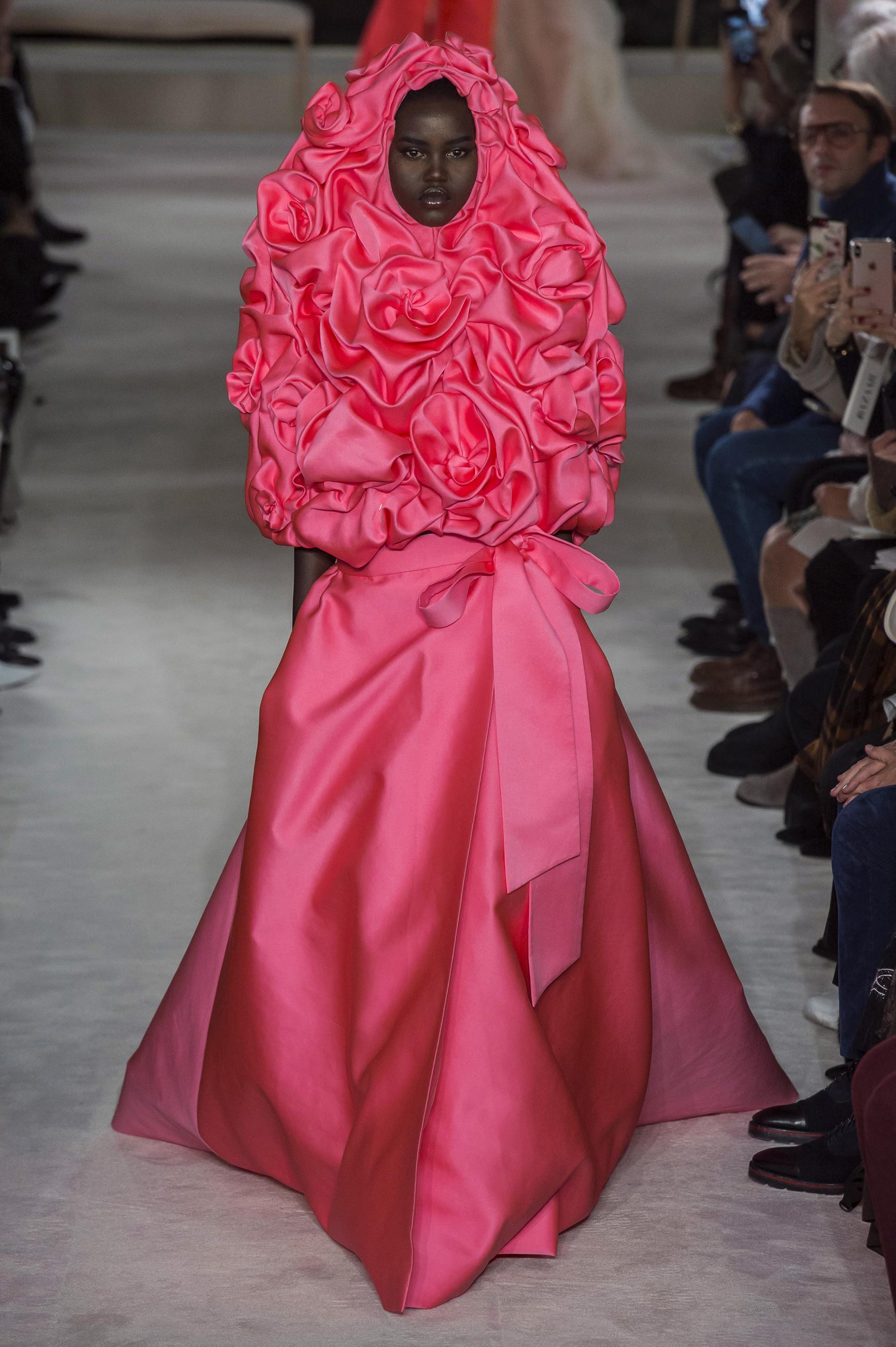 Foto de Valentino Alta Costura Primavera Verano 2019 (1/67)