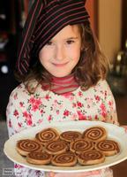 Galletas espirales de mantequilla y chocolate. Receta para hacer con los niños