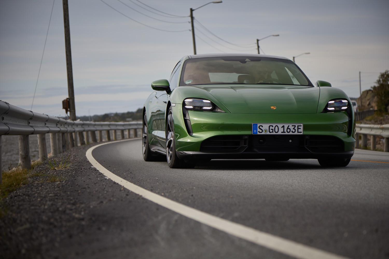 Foto de Porsche Taycan prueba contacto (200/275)