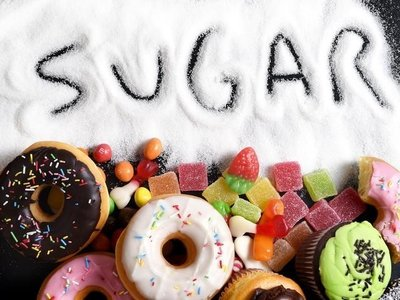 ¿De dónde obtenemos más azúcar libre los españoles?