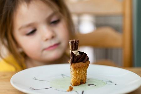 Niños gordos y al mismo tiempo malnutridos: el sobrepeso infantil ha aumentado un 10% en 15 años