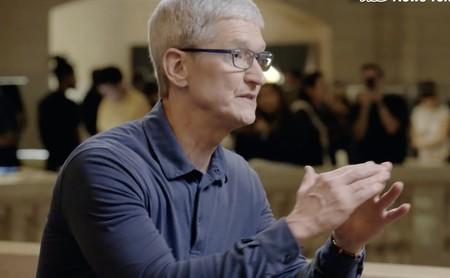"""Tim Cook: """"algunas compañías dicen que necesitan todos tus datos para hacer mejores servicios; no les creas"""""""