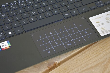 Asus Zenbook 13 Oled Review Xataka Touchpad