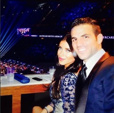Fábregas y señora celebran aniversario con mucho <em>love</em> en redes sociales