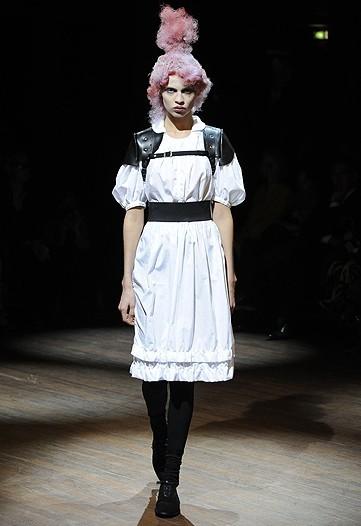 Foto de Comme des Garçons, Primavera-Verano 2010 en la Semana de la Moda de París (12/14)