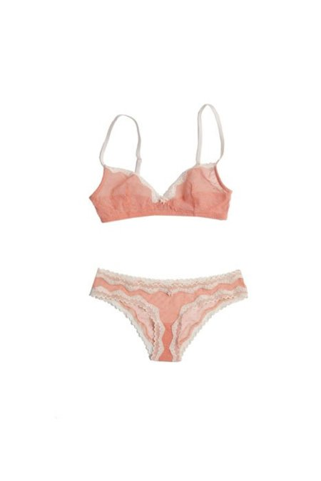 oysho_ss2012_lingerie_120102-1.jpg