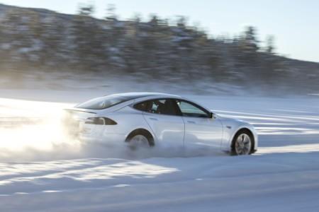 El objetivo de Tesla Motors para 2016 es superar las 80.000 entregas