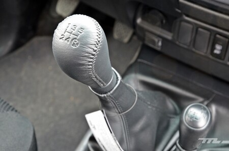 Toyota Hilux 043