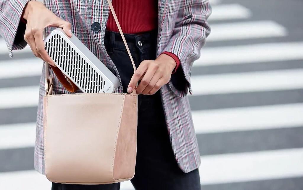 LG PuriCare Mini Air Purifier: el nuevo purificador de aire portátil de LG cabe en una mochila y quiere acompañarnos a todas partes