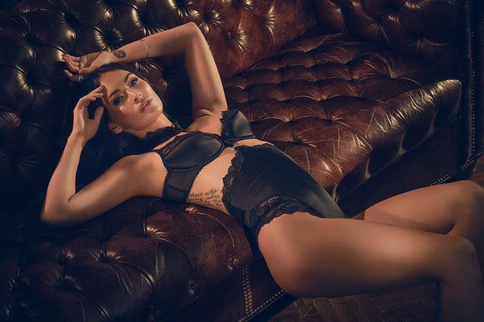 Megan Fox posa en lencería para Frederick's Of Hollywood
