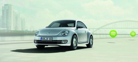 Volkswagen Beetle Connection, con iPhone para ver tu Twitter o tu Facebook