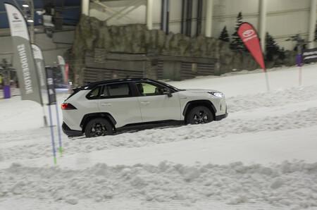 España tiene una décima parte de neumáticos de invierno frente a Europa: solo un 3% de las ventas frente al 30%