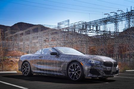 El BMW Serie 8 Cabrio se deja ver: de pruebas en el Valle de la Muerte, aún atiborrado de camuflaje