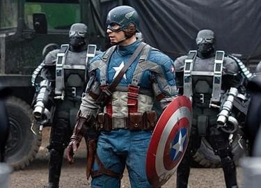 Chris Evans de Capitán América... ¿qué escondes entre las piernas bribón?