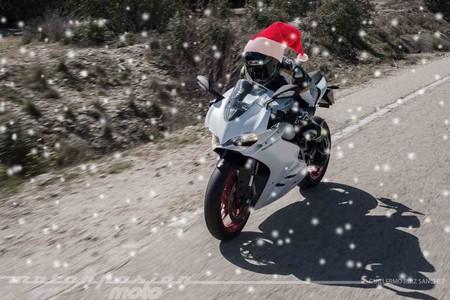 ¡Feliz Navidad de parte de todo el equipo de Motorpasión Moto!