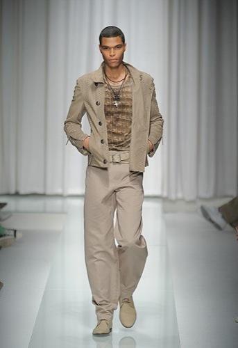 Versace, Primavera-Verano 2010 en la Semana de la Moda de Milán IV