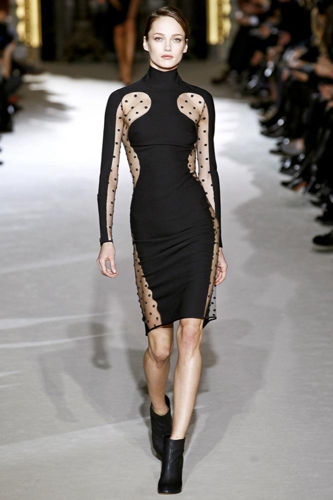 Foto de Stella McCartney Otoño-Invierno 2011/2012 en la Semana de la Moda de París:  (15/25)