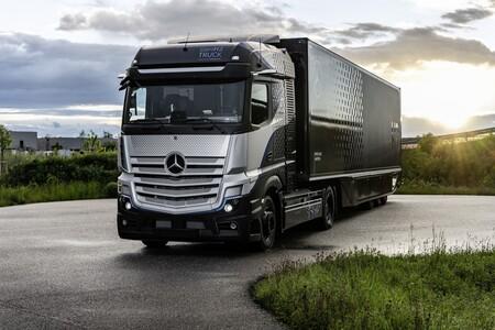 Mercedes Benz Genh2 Truck 06