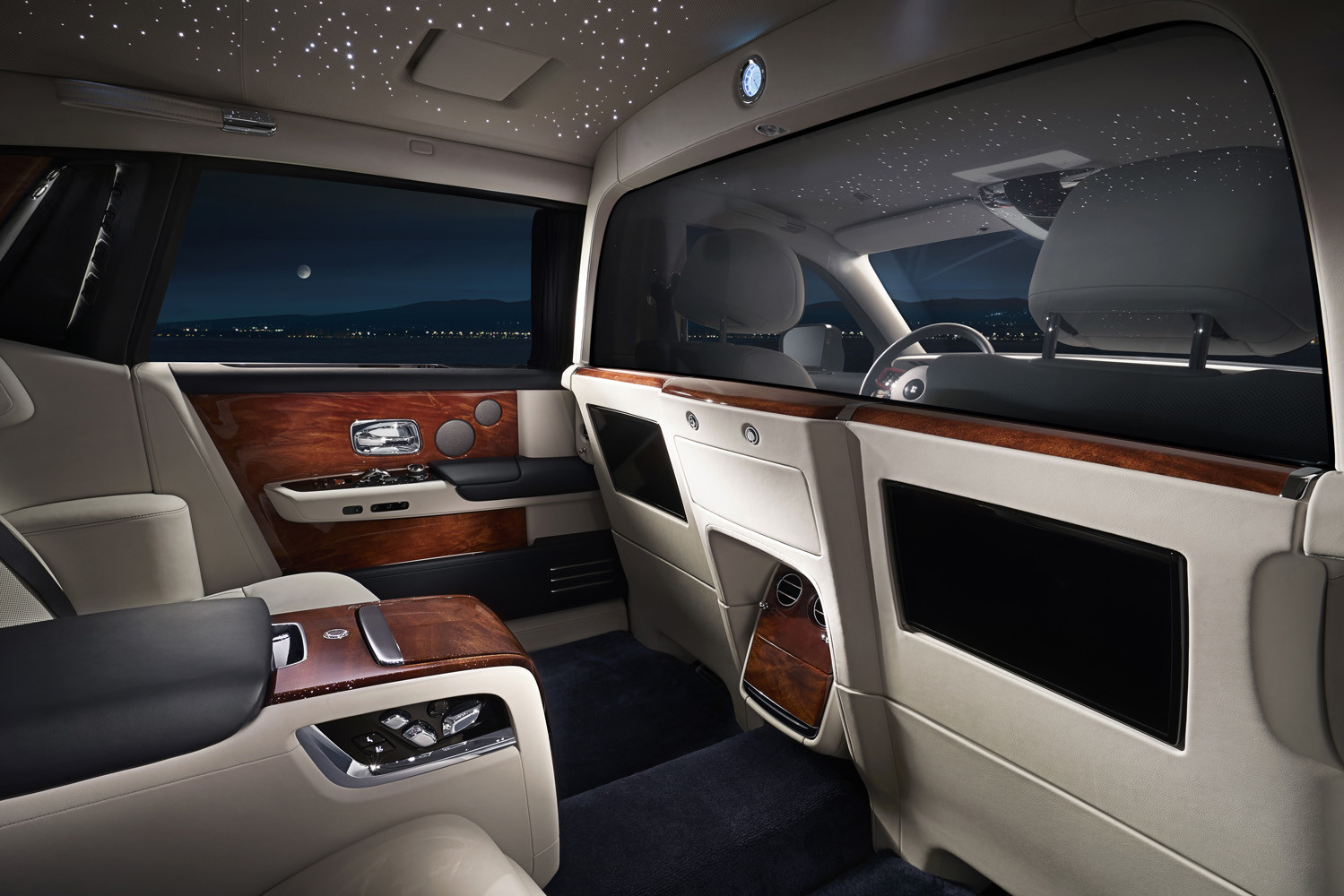 Foto de Rolls-Royce Phantom Privacy Suite (2/42)