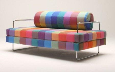 Sofá cama multicolor para darle alegría al otoño