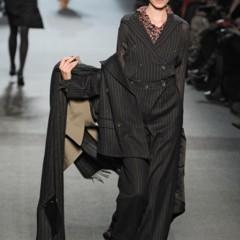 Foto 16 de 27 de la galería jean-paul-gaultier-otono-invierno-20112012-en-la-semana-de-la-moda-de-paris-el-lado-sexy-del-estilo-ladylike en Trendencias