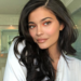 Descubrimos a la influencer que hace las 'manicuras joya' más alucinantes (y que reproduce hasta la mismísima Kylie Jenner)
