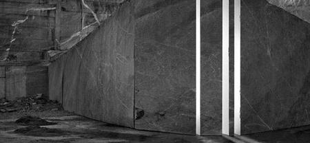 Aitor Ortiz y sus arquitecturas aisladas en la Sala Canal de Isabel II