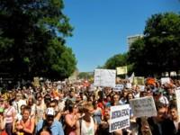 IU acusa a la Policía Nacional de espiar a manifestantes mediante sus teléfonos móviles