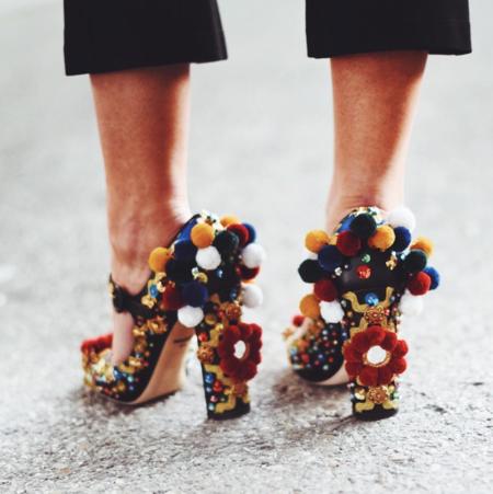 c477f6ffcdefc Mensaje importante para cadenas de moda low-cost  ¿No os habéis fijado en  estos zapatos de Dolce   Gabbana