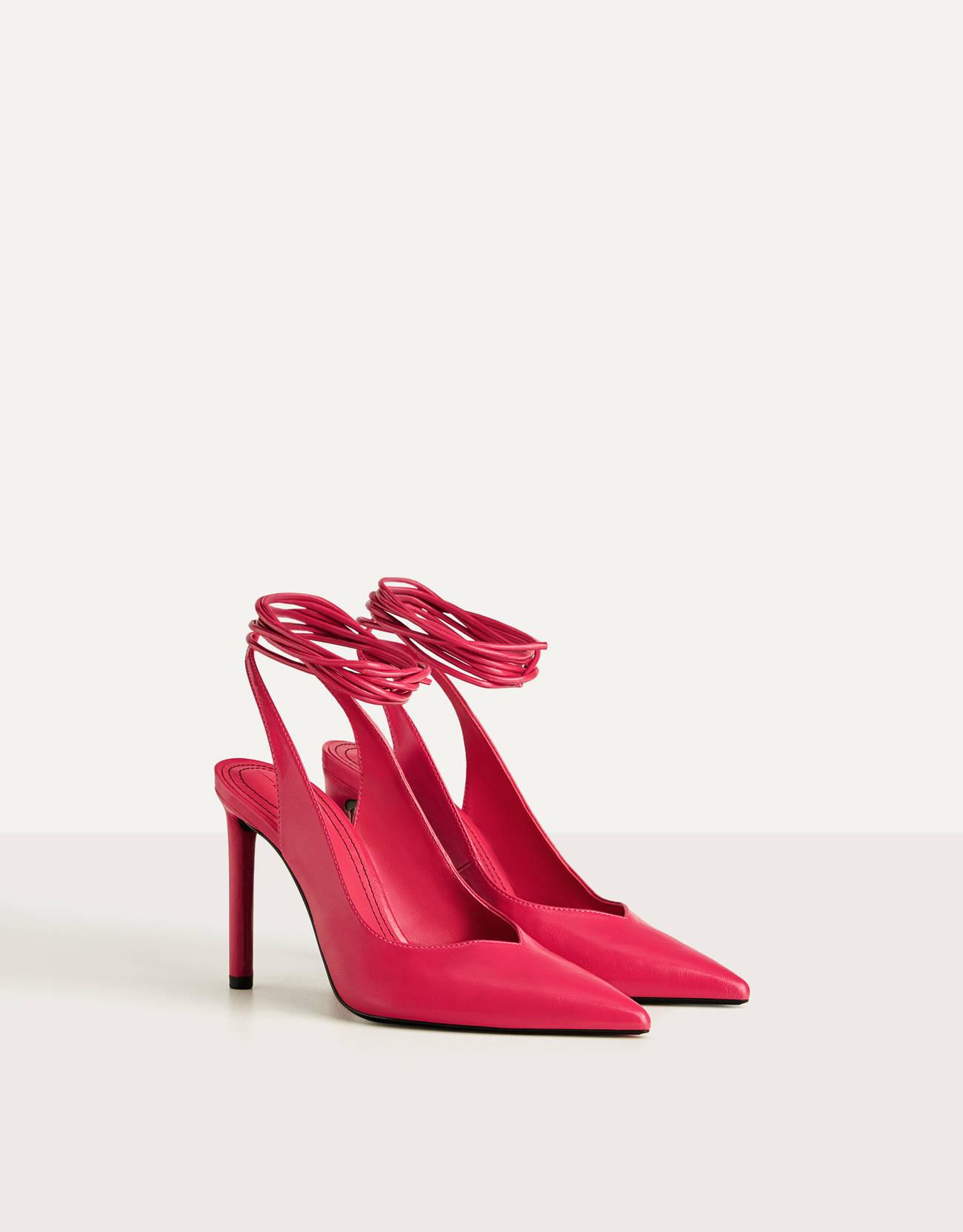 Zapato tacón destalonado atado