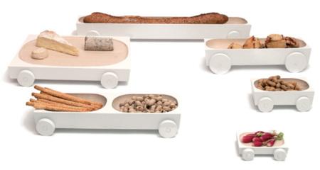 Bandejas con ruedas: con la comida sí se juega